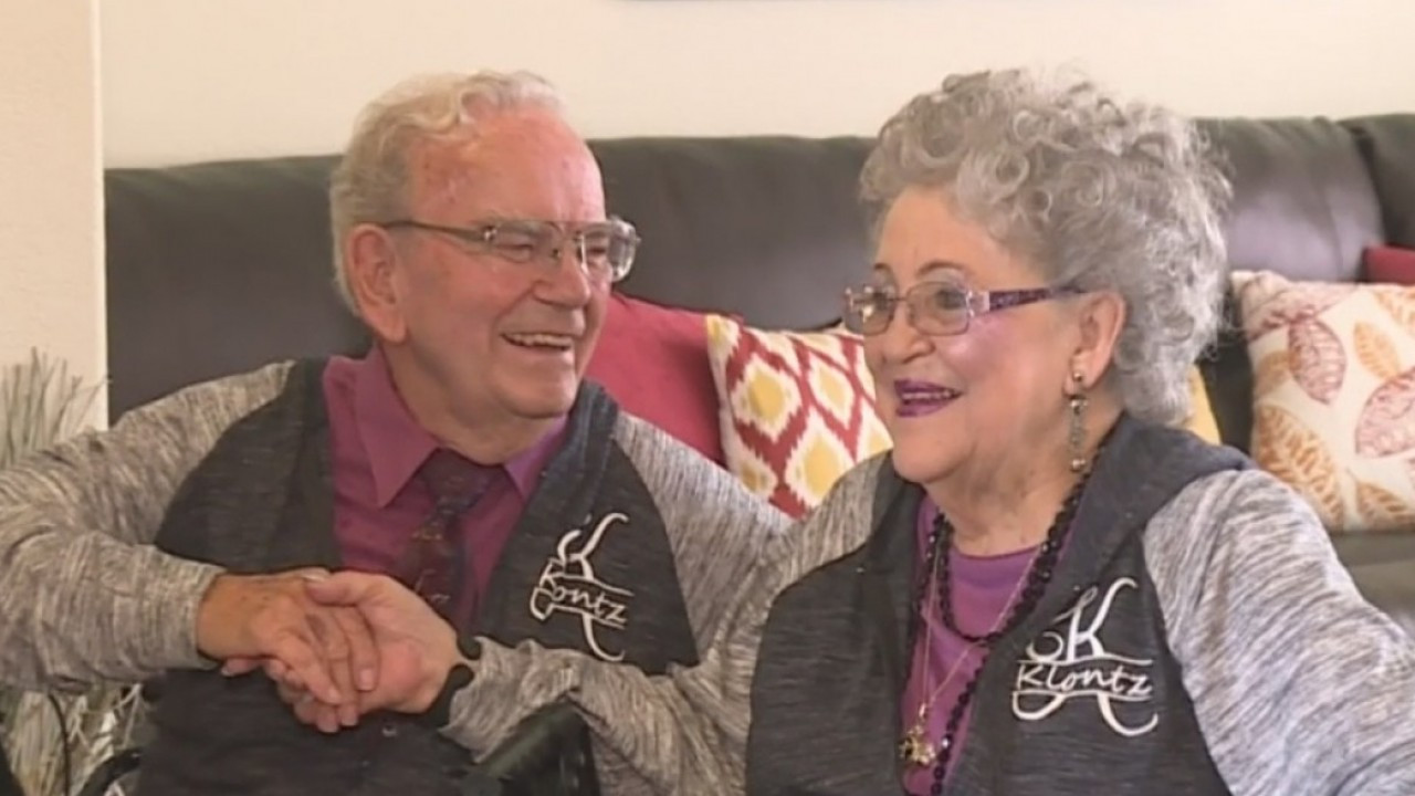 Photo of A Married Couple Has Worn Matching Outfits Every Day for 67 Years