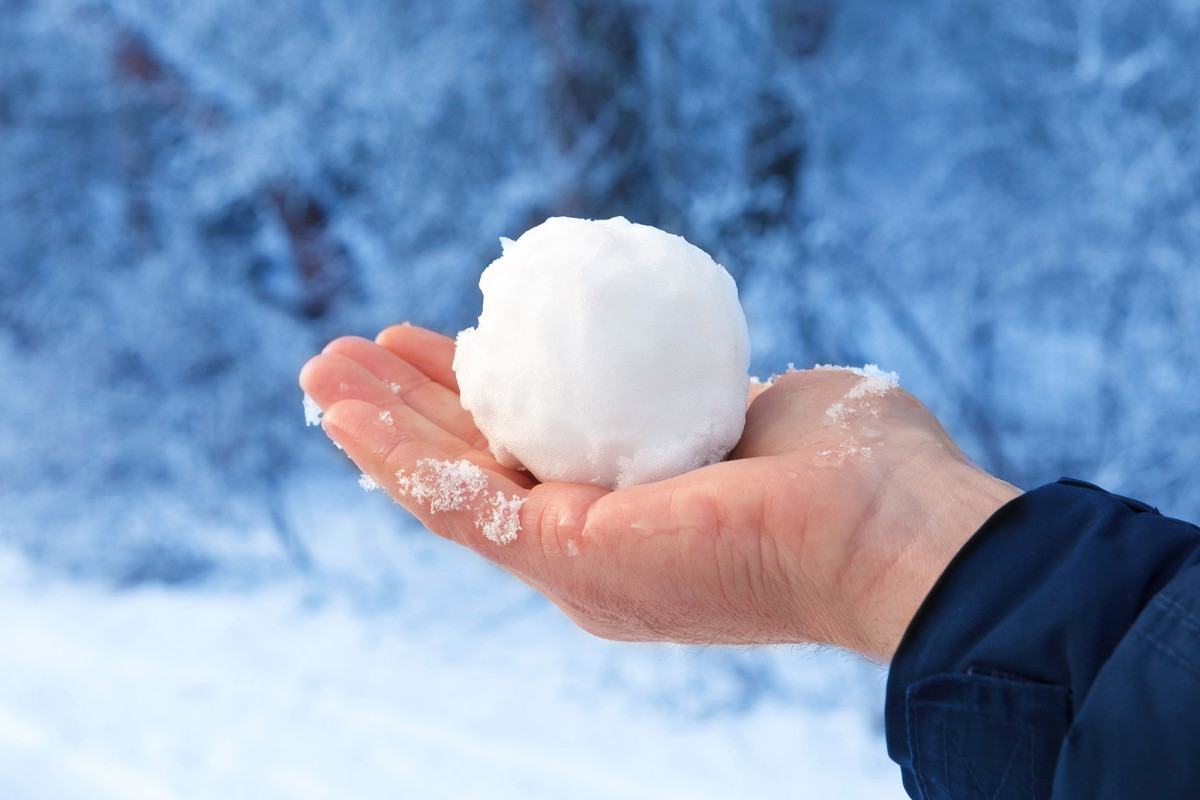 Photo of This Town Banned Throwing Snow Balls!