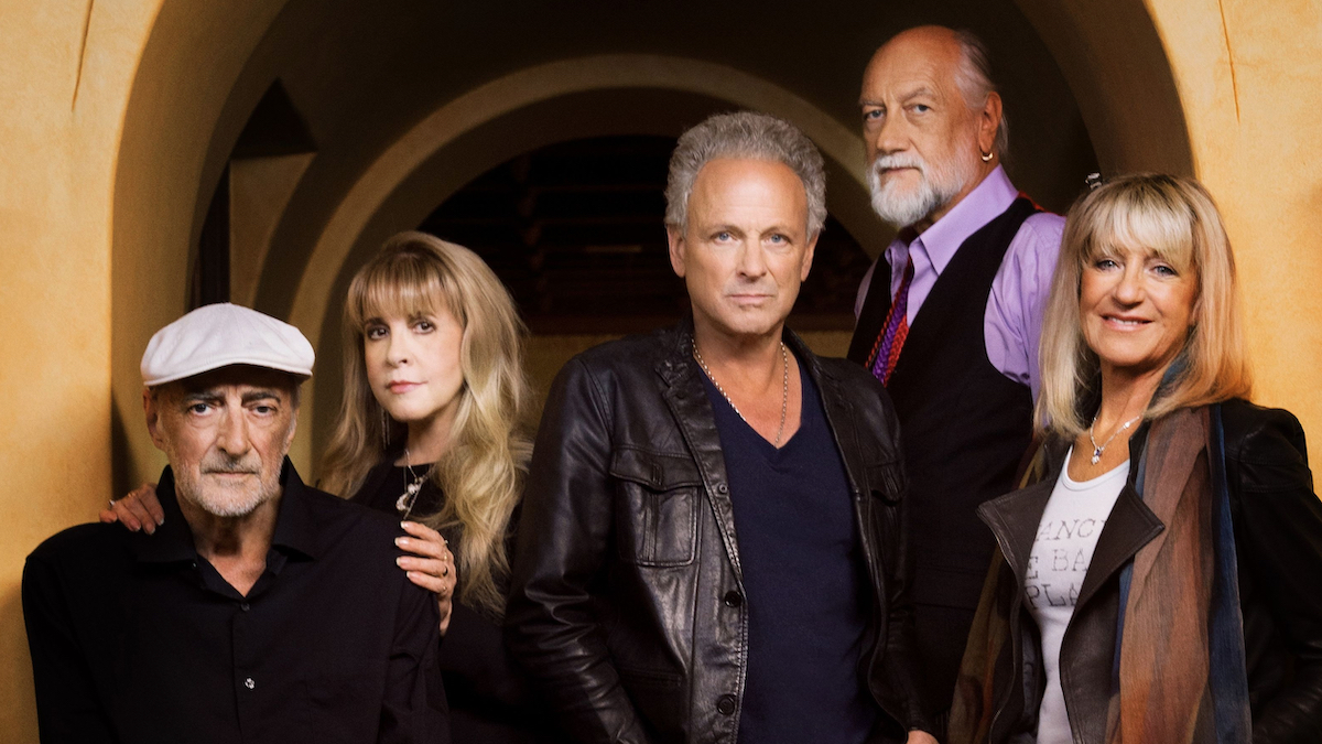 "Photo of Mick Fleetwood says Lindsey Buckingham won't return to Fleetwood Mac: ""It's not a point of conversation"""