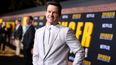 Photo of Mark Wahlberg's company donates over one million masks to US schools